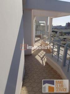 Location Studio Vide Avec Terrasse BD Moulay Driss 1er