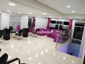 MAGASIN COMMERCIAL 53 M2